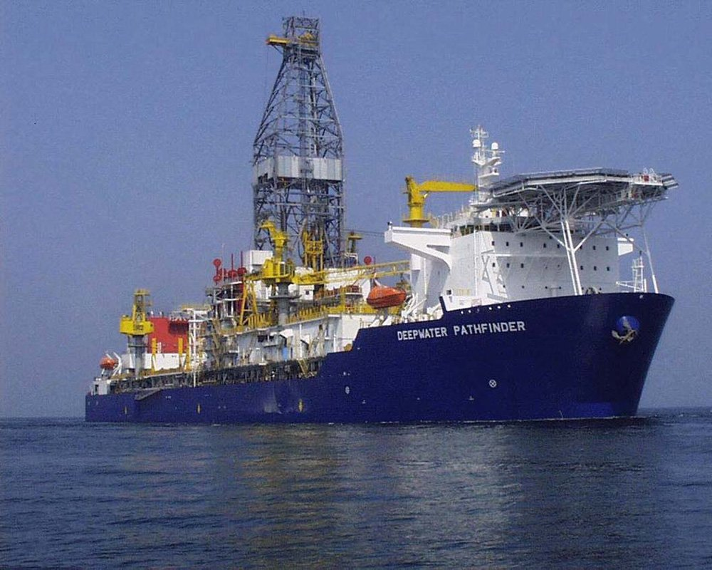 Deepwater Pathfinder - Drill Ship