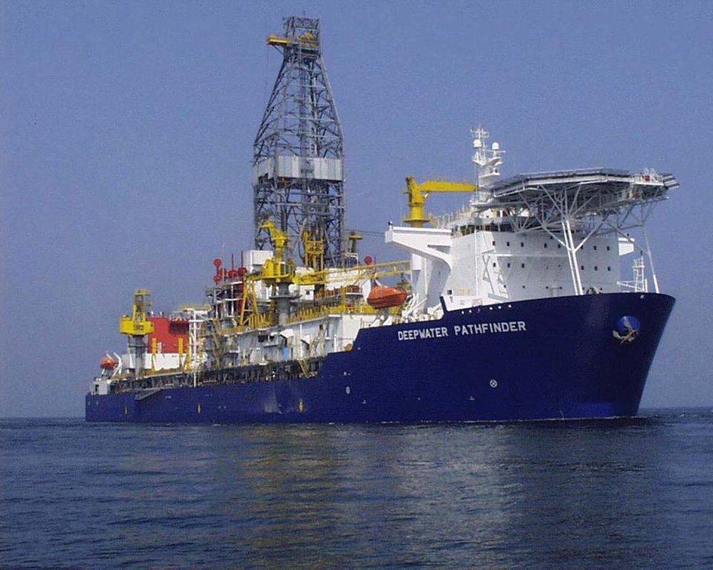 Deepwater Pathfinder - Drill Ship