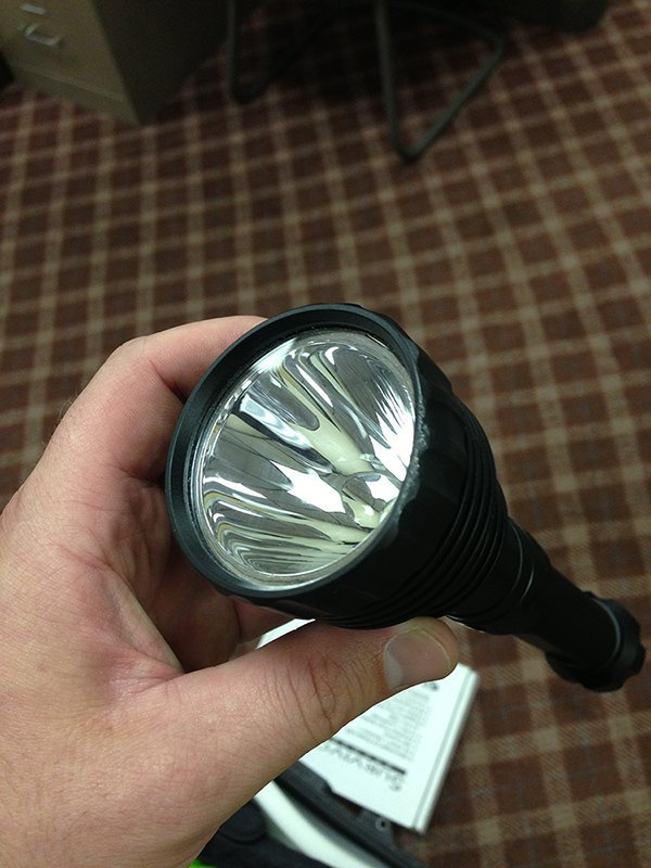spotter, 99220, usb rechargeable led flashlight, 800 lumen, 52ft fall, still works