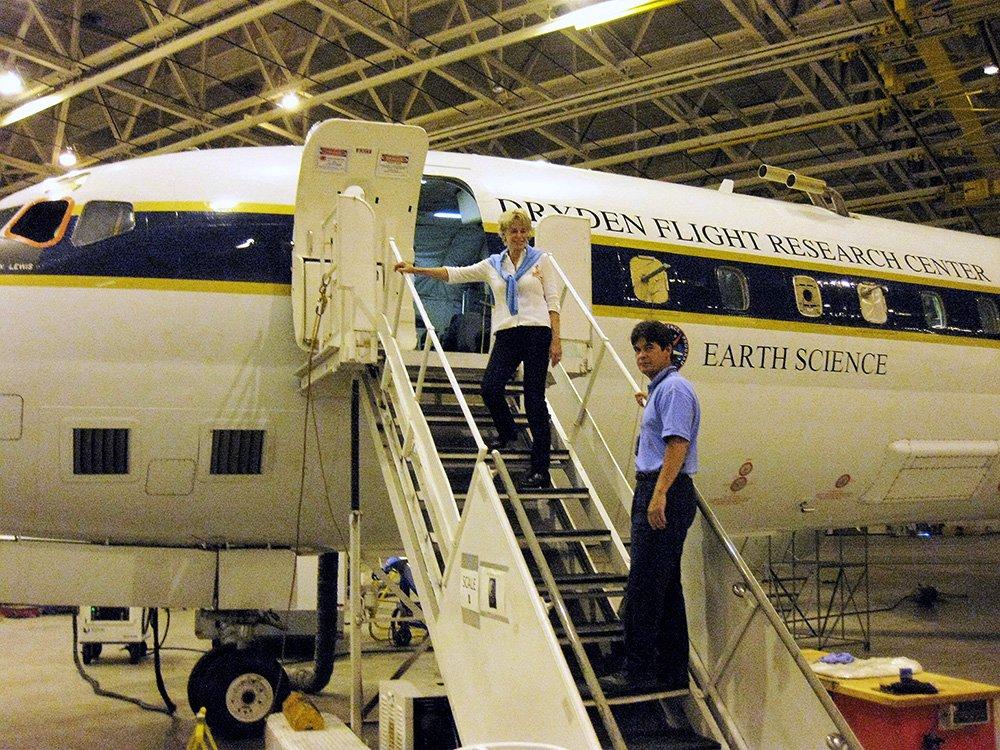 Lynn entering Research Plane